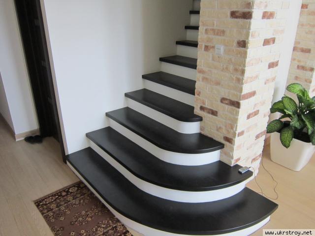 Деревянные лестницы по индивидуальному проекту, Киев